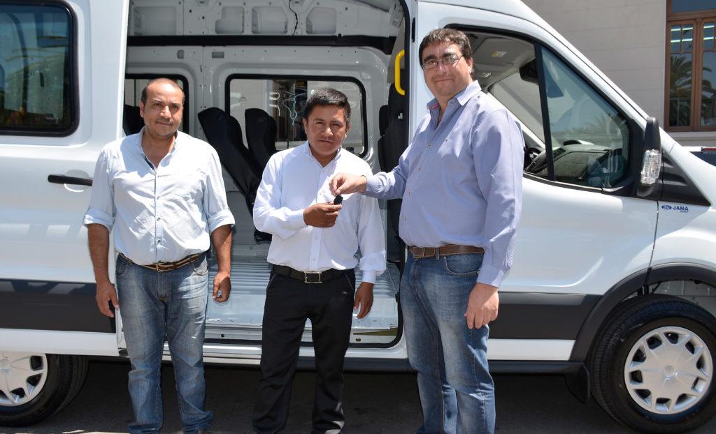 Entrega de  Vehículo a la localidad del Condor.
